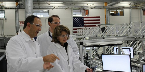 Senator Murkowski Examines Technology