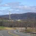 800px-Marcellus_Shale_Gas_Drilling_Tower_1