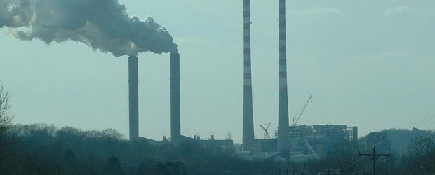 800px-Cumberland_Power_Plant_smokestacks